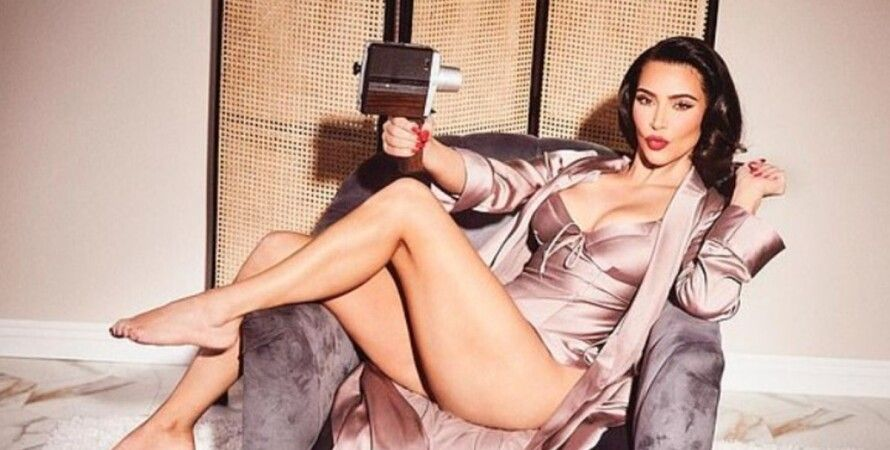 Ким Кардашьян, фото, новая коллекция, домашняя одежда