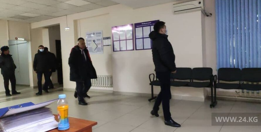 арест, экс-премьер, кыргызстан, фото, коррупция, суд