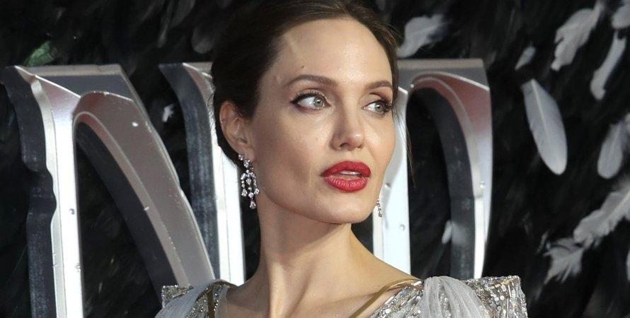 Анджелина Джоли, скриншот