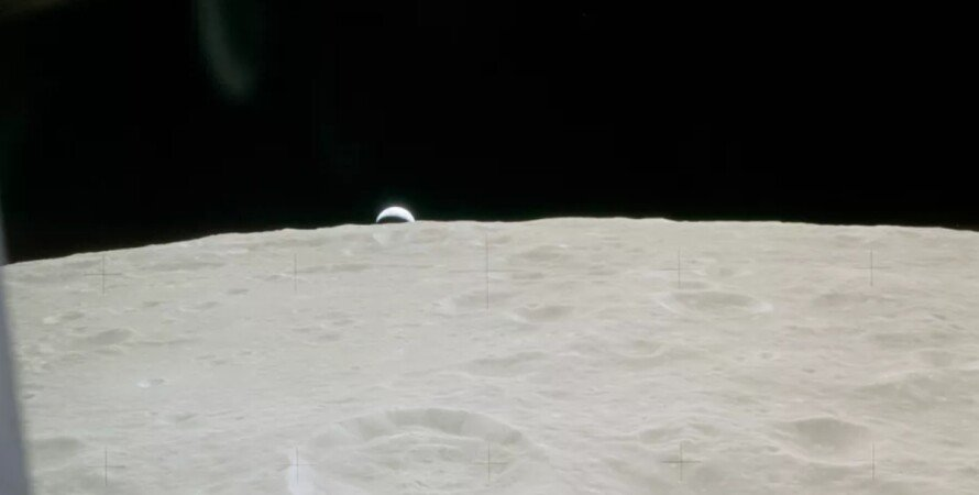 Місяць, інопланетяни, позаземне життя, артефакти