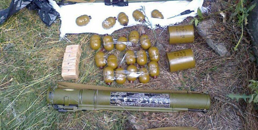 Найденное оружие и боеприпасы / Фото пресс-службы МВД