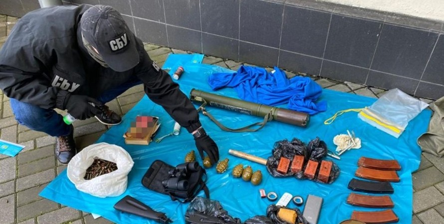 СБУ, оружие, боеприпасы, арсенал, Киев,