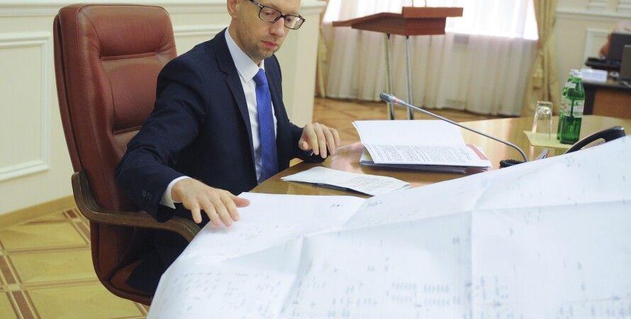 Арсений Яценюк на заседании Кабмина / Фото: kmu.gov.ua