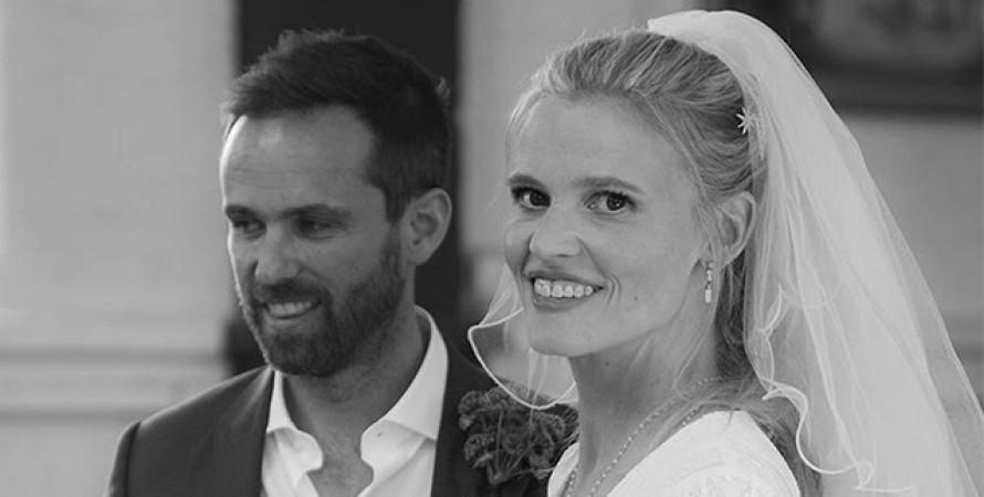 Лара Стоун вышла замуж за Дэвида Гривсона