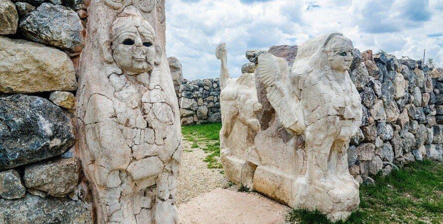хетты, фигуры, стена, камень, фото