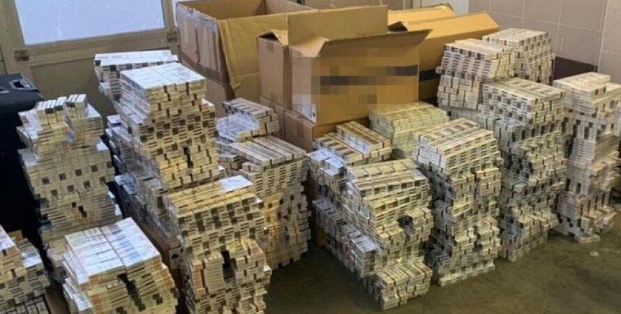 СБУ, контрабанда, золото, сигарети, дипломати, документи