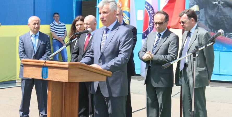 Церемония передачи гумпомощи / Фото пресс-службы ГСЧС