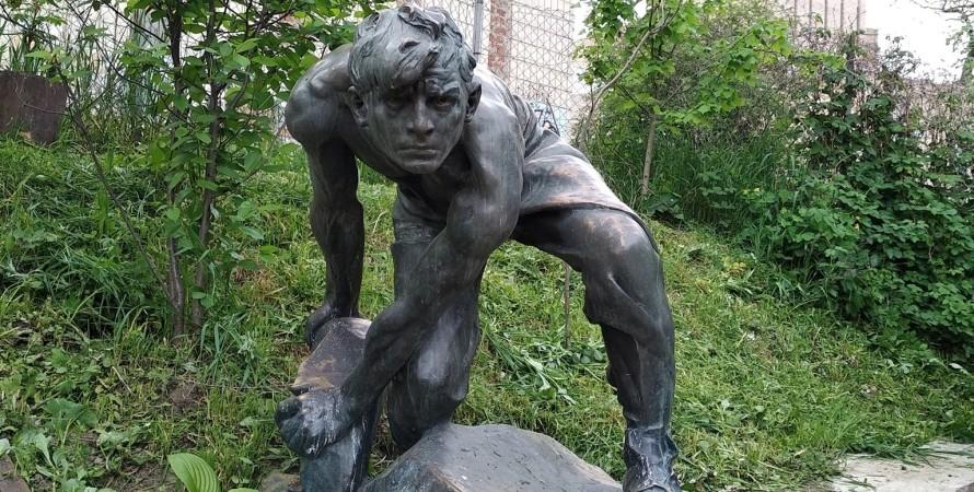булыжник - оружие пролетариата, скульптура, иван шадр