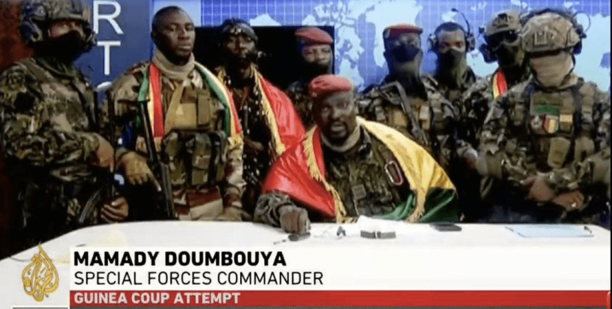 Мамаду Думбуя, Гвінея, переворот
