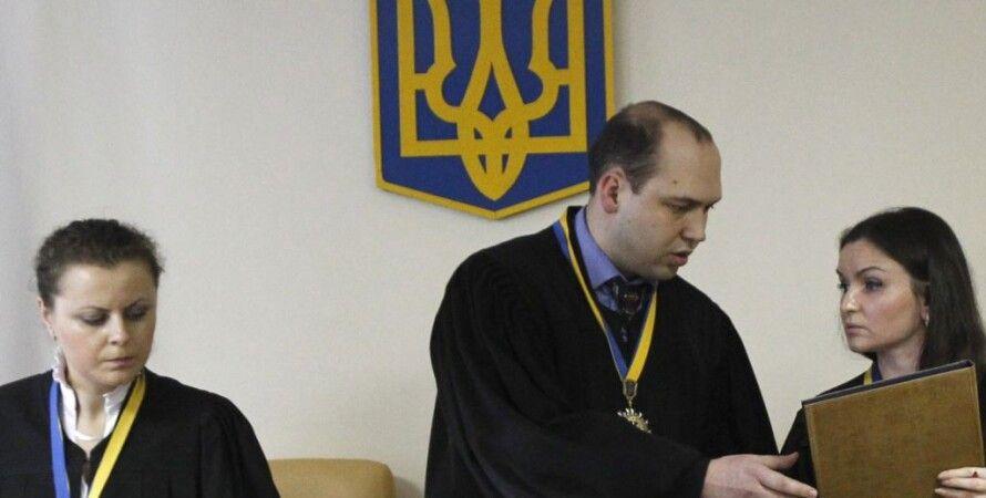 Сергей Вовк во время чтения приговора Юрию Луценко 27 февраля 2012 года / Фото: Reuters