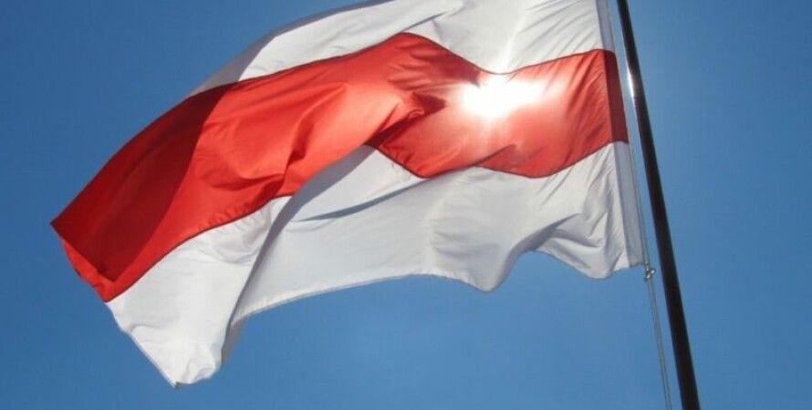 Бело-красно-белый флаг, флаг беларуси, беларусь, протесты