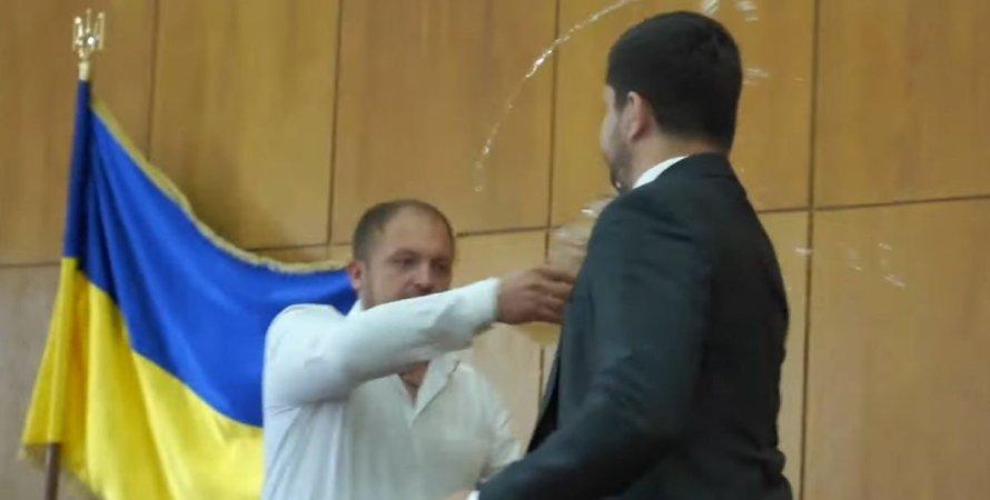 Артем Семеніхін, Олександр Качура, конфлікт,