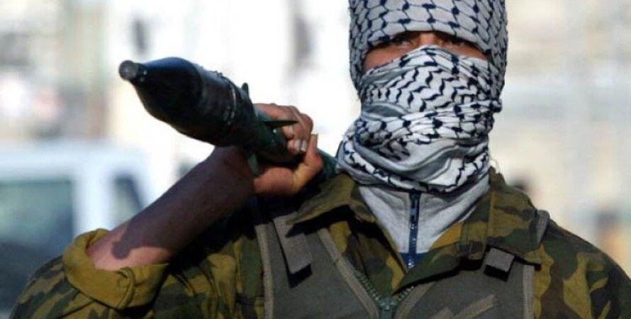 Террорист в Донбассе / Фото: newstes.ru