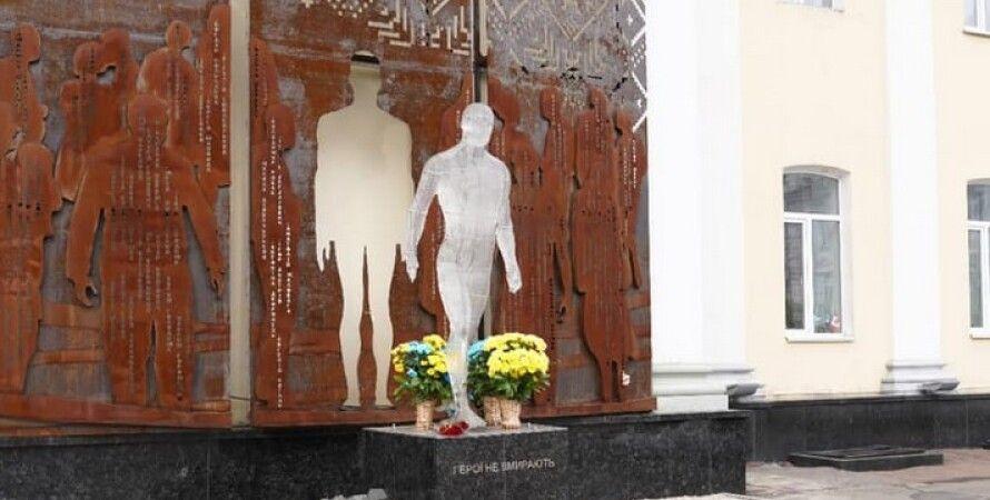 Житомир, вандализм, небесная сотня, памятник, Владимир Федоренко, полиция