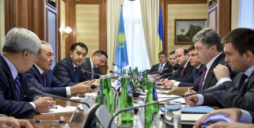 Заседание при участии Нурсултана Назарбаева и Петра Порошенко / Фото: сайт президента Украины