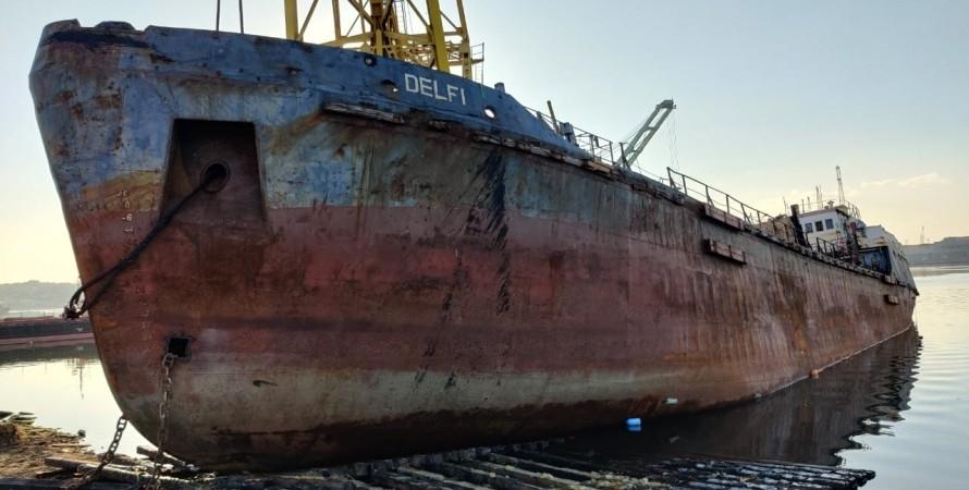 Delfi, танкер, Одеса, суд, власність,