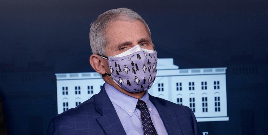 ношение двух масок, две защитные маски