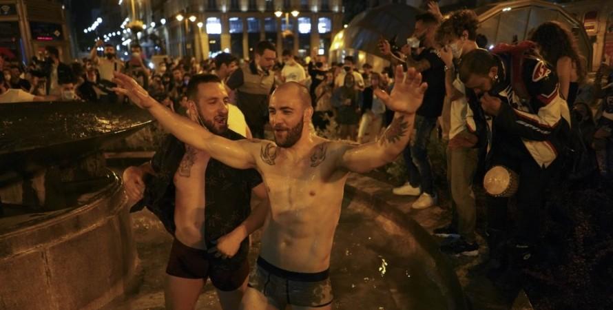 празднование в испании, коронавирус в испании