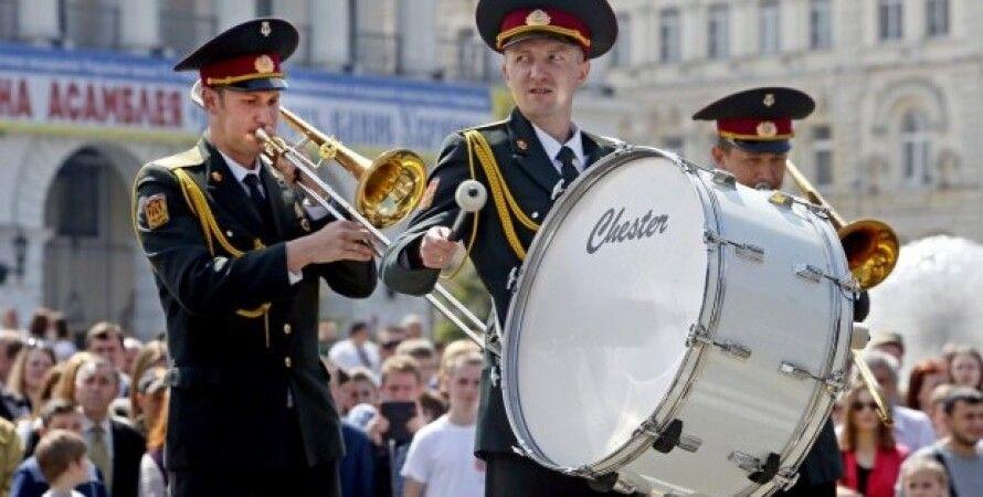 В столице в День победы прошел марш военных оркестров / Фото: УНИАН