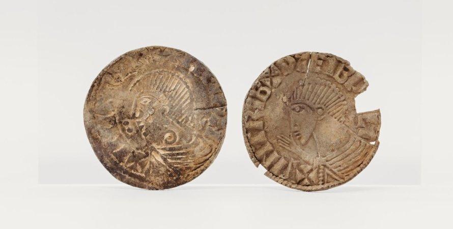 монеты, стол, фото