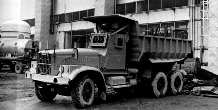 КрАЗ-256Б1–030