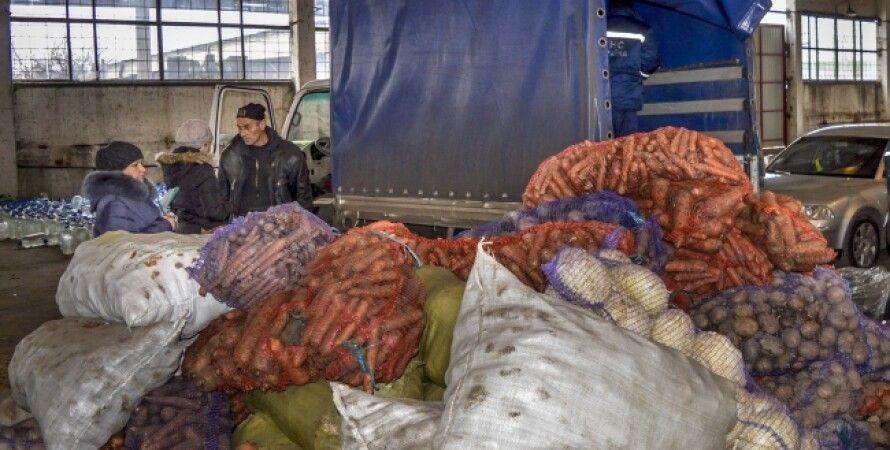 Гуманитарная помощь от Украины Донбассу / Фото: сайт президента Украины