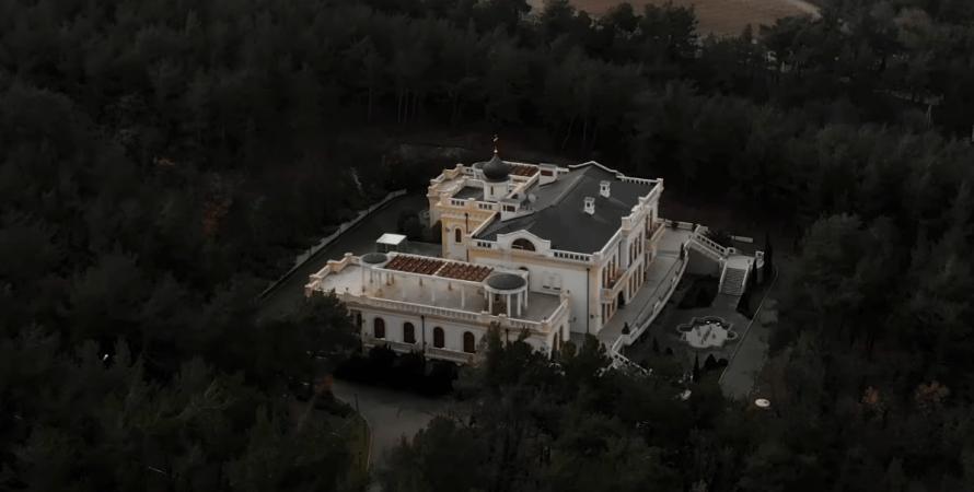палац Кирила, сусід палацу путина