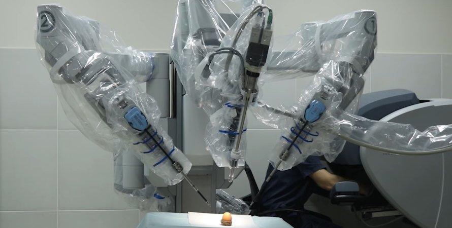 Хірург, робот, DaVinci, Дніпро