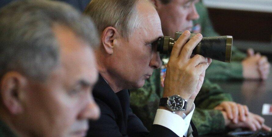 Владимир Путин, Путин с биноклем, ситуация на Донбассе