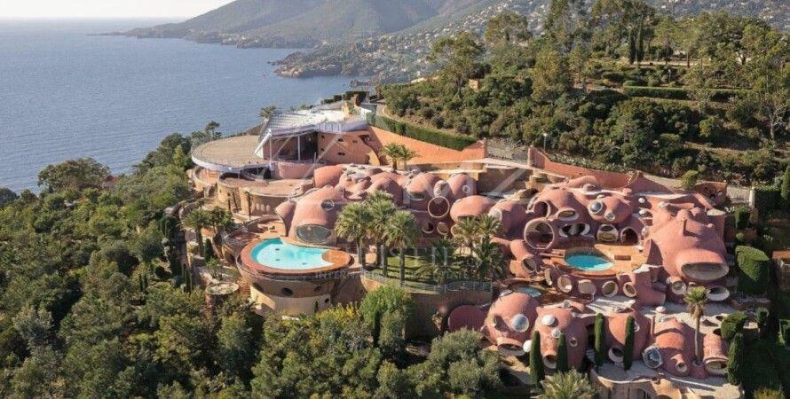 Bubble Palace, продажа, дом Пьера Кардена