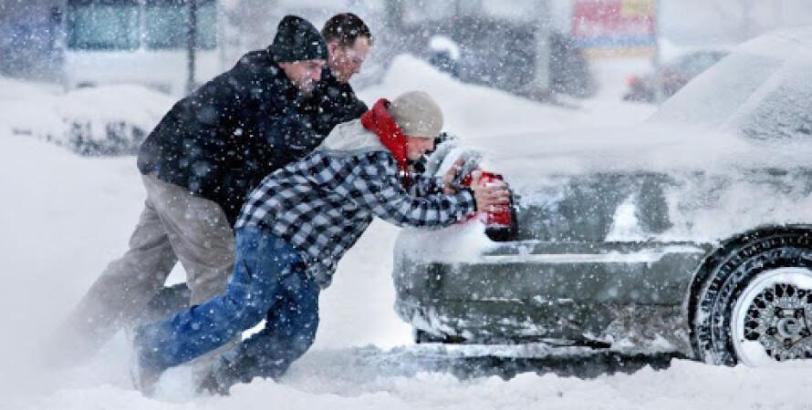 автомобиль, сугроб, снегопад, непогода 2021, киев