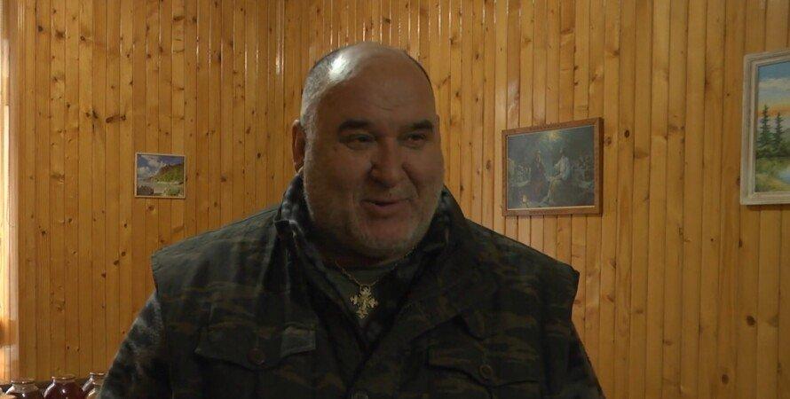 Капелан, Василь Довганюк, священик