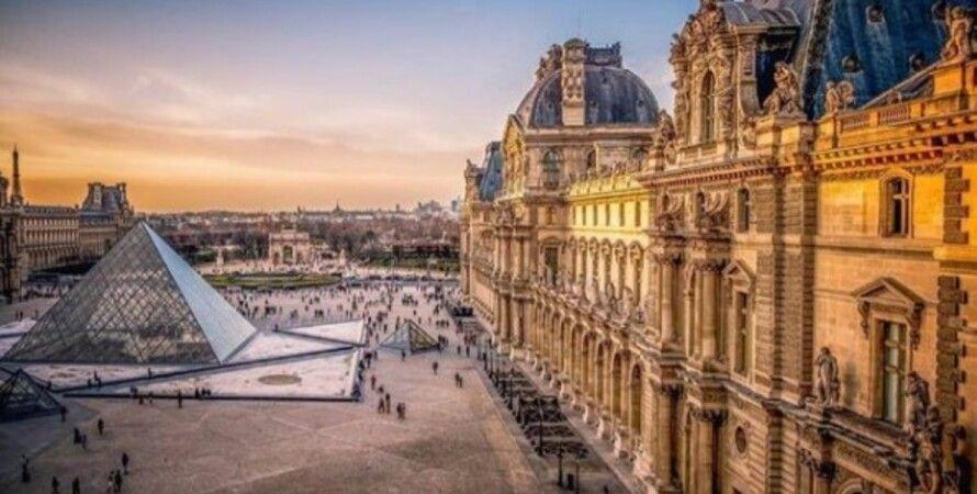 Лувр, музей, Париж