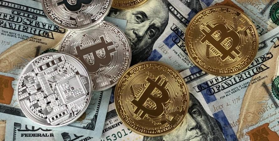 доллары, криптовалюта, биткоины,