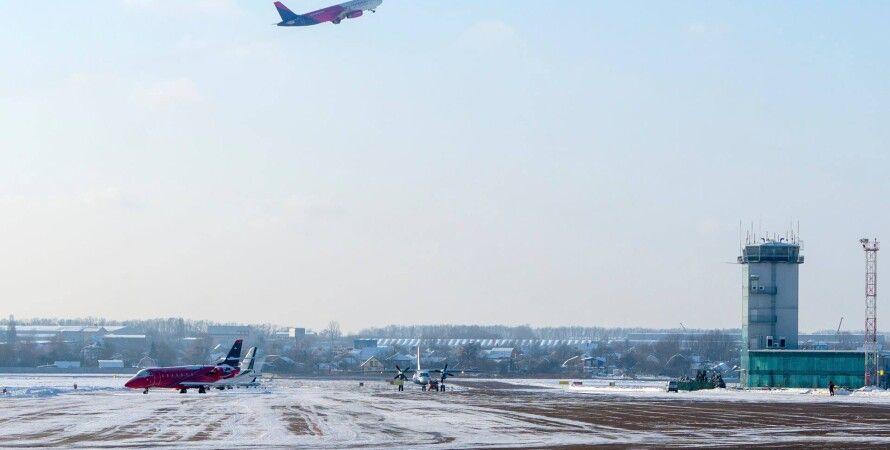 аеропорт, літак
