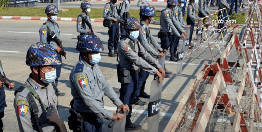 мьянма, полиция, военные, хунта, переворот, протесты