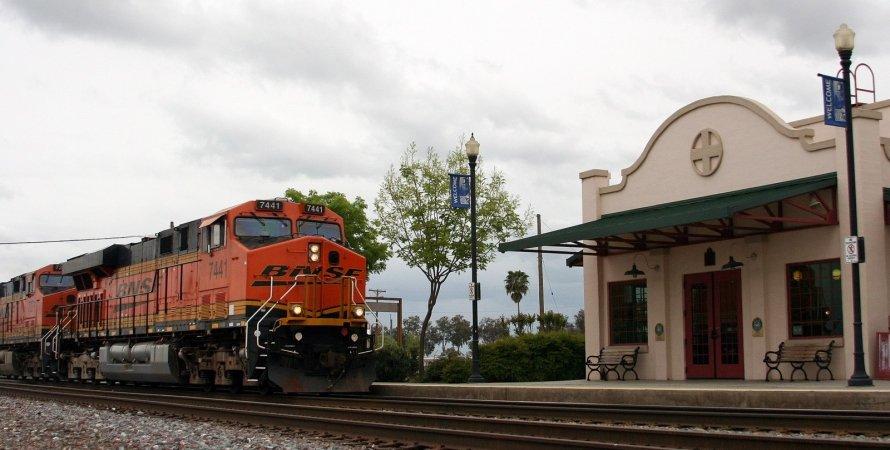 поїзд, США, Коркоран, фото