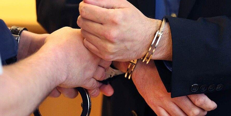 Задержание чиновника / Фото: АР