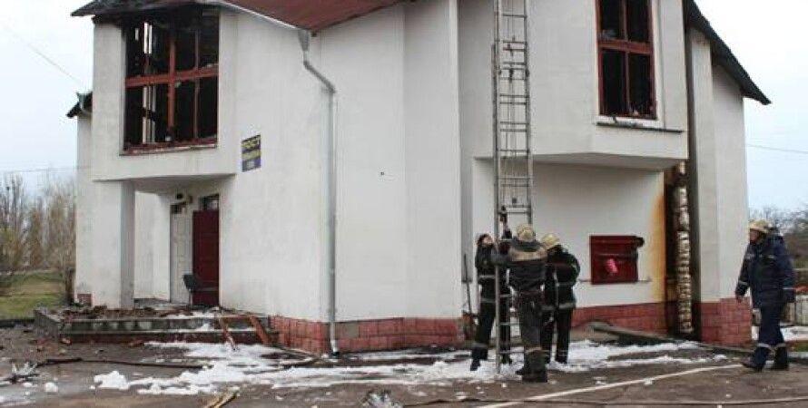Сгоревший пост ГАИ / Фото пресс-службы МВД