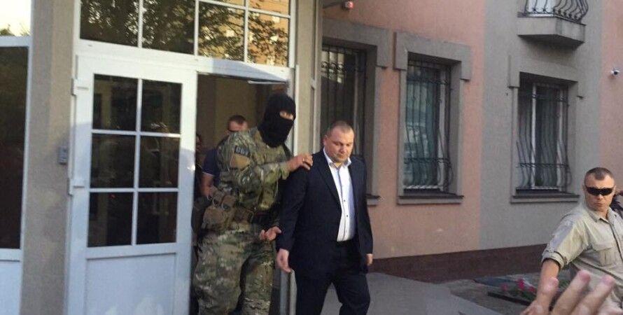 "Суд арестовал ""янтарного"" зампрокурора Ровенщины / Фото: Лариса Сарган / Facebook"