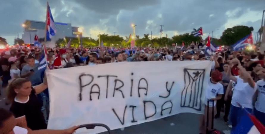 Протесты на Кубе, куба, протесты куба, куба протестует, кубинцы протесты, коммунисты, мигель Диас-Канель
