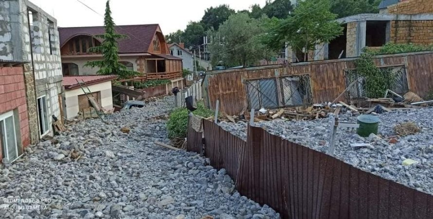 Крым, потоп, непогода, селевой поток, строительный мусор, камни, наводнение