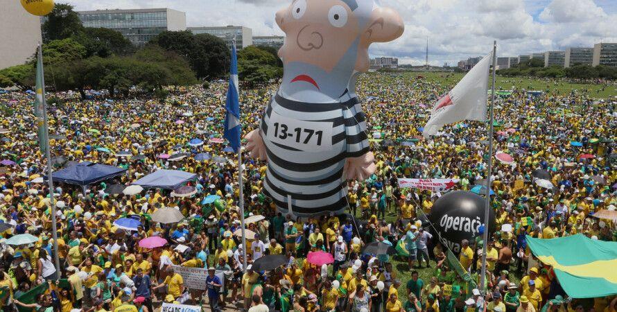 В Бразилии протестовали против президента Дилмы Руссефф / Фото: Getty Images