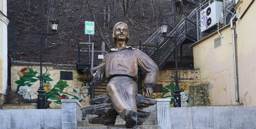 Микола Гоголь, пам'ятник, письменник, Київ, Поділ, Андріївський узвіз