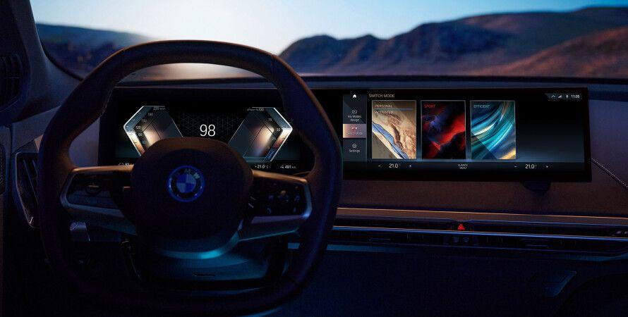 мультимедійна система BMW iDrive 8