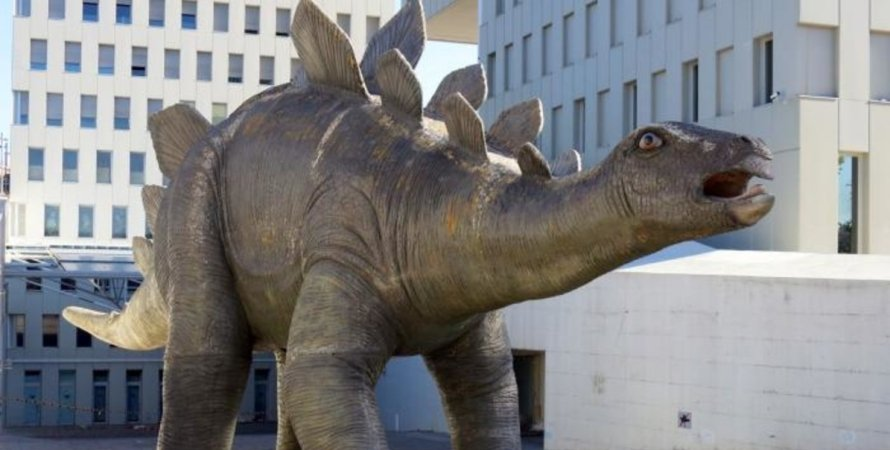 динозавр, статуя