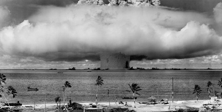 """Подводный ядерный взрыв """"Бэйкер"""" (Операция Перекрестки) / Фото: Wikipedia"""