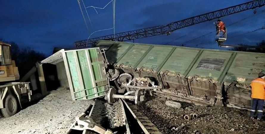 поезд, крушение, железная дорога, фото