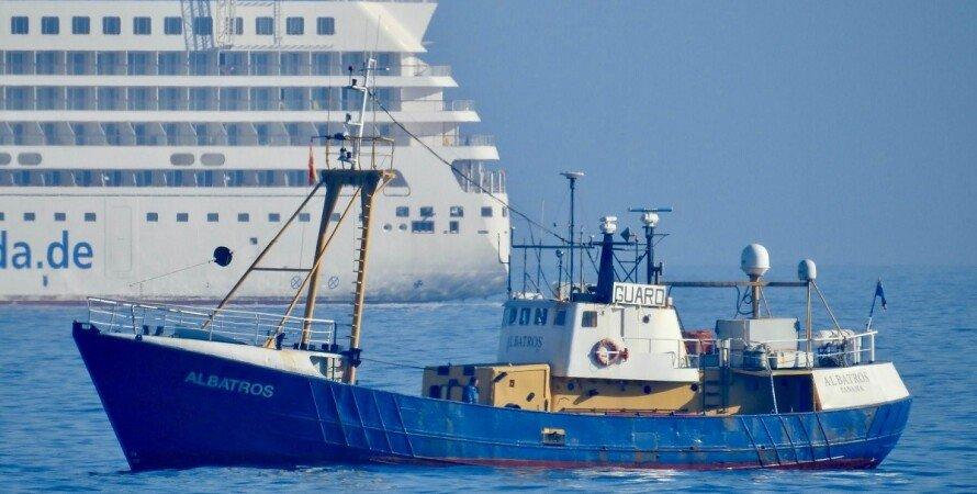 наркотики, судно, іспанія, Albatros, українці, фото