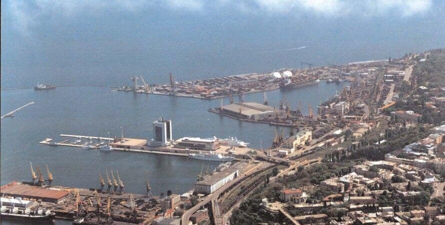 Вид на морской порт Одессы